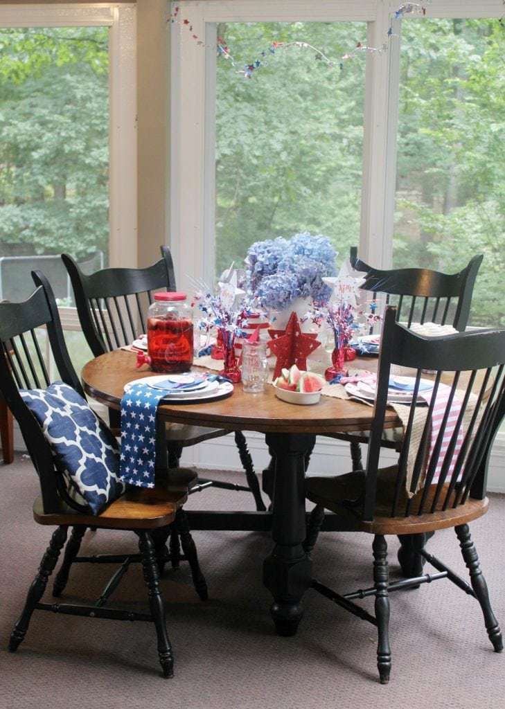 red white and blue - whole table-vertical