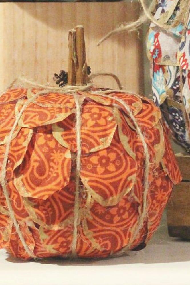 fall-pumpkin-craft_closeup