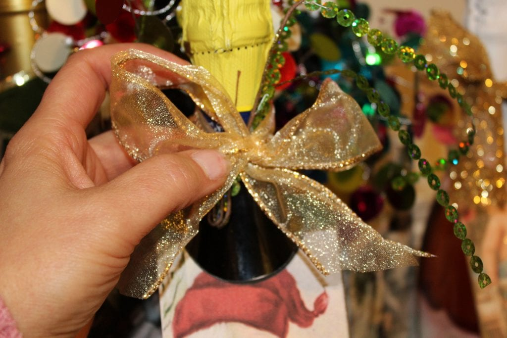 Christmas Hostess Gifts - Put a bow on it
