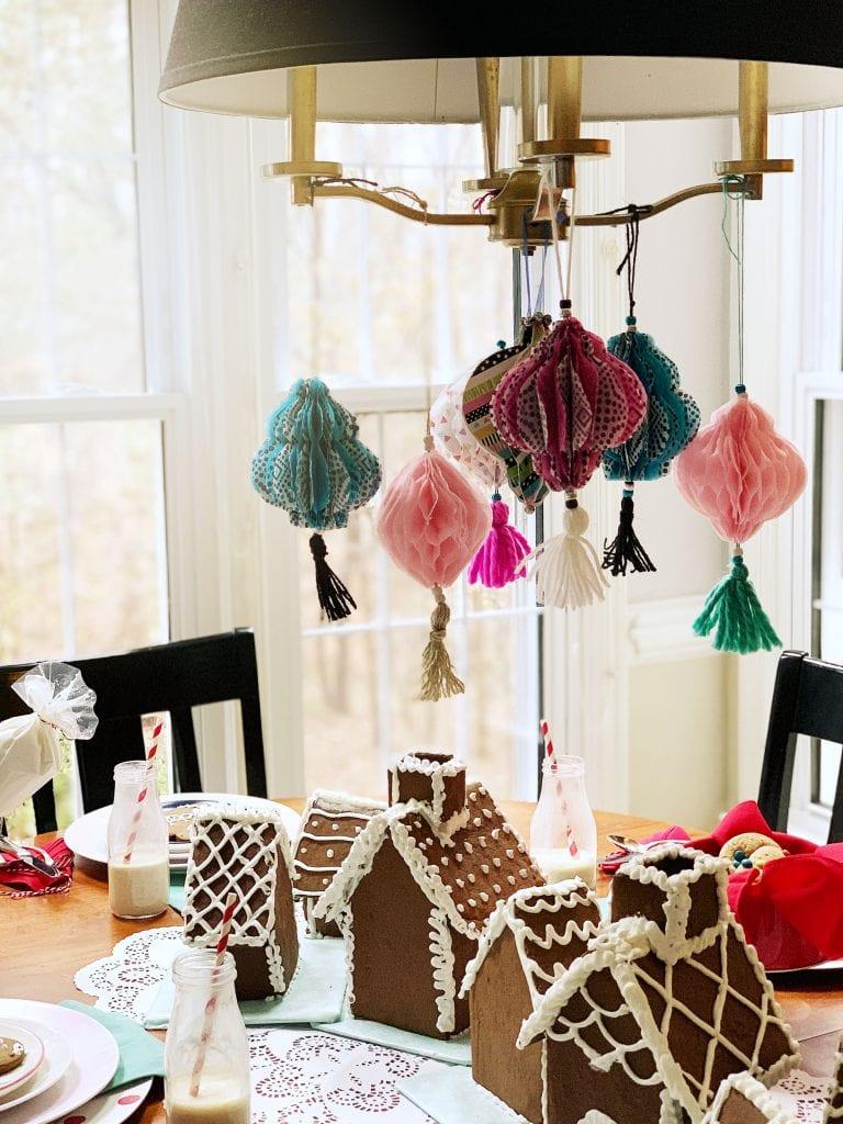 christmas table_centerpiece closeup with ornamenets