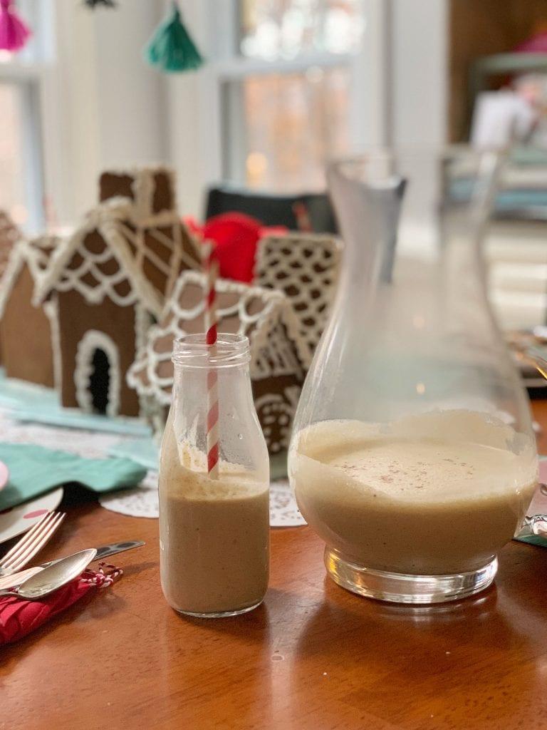 christmas table_gingerbread house decor