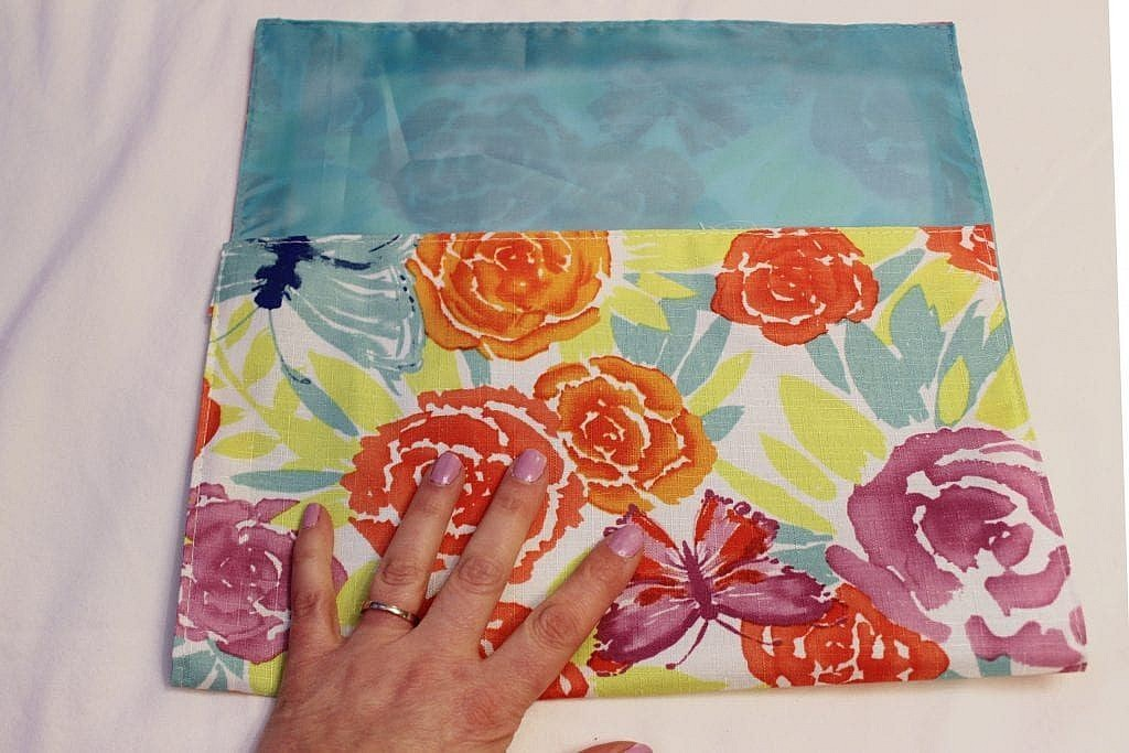 placemat clutch diy