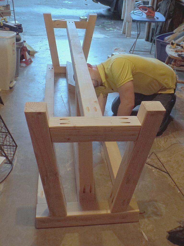 DIY Farmhouse table- building base