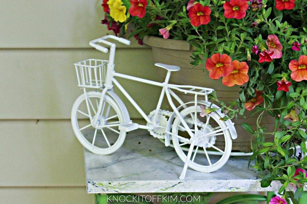 front porch decor accents
