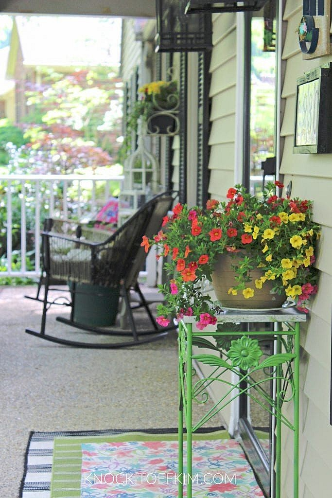 front porch decor spring