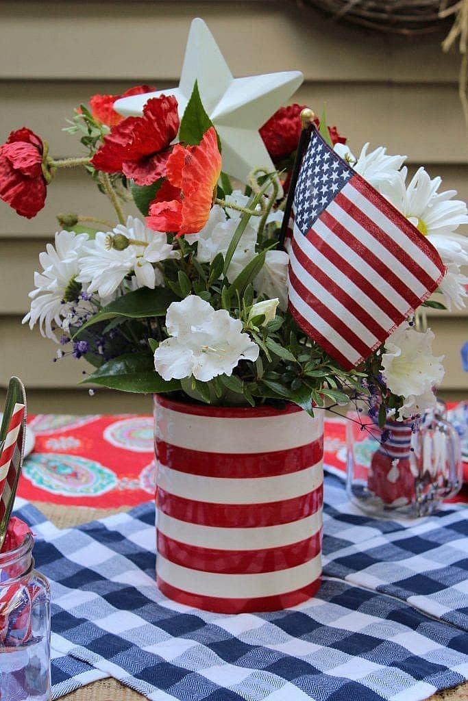 patriotic table setting ideas_centerpiece