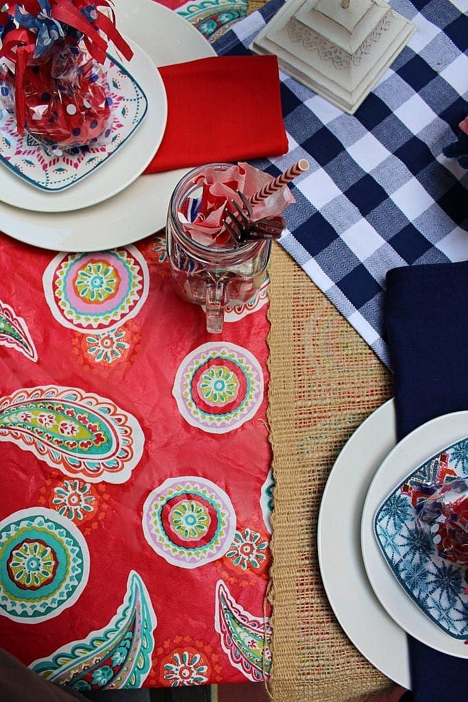 patriotic table setting ideas_mixed patterns