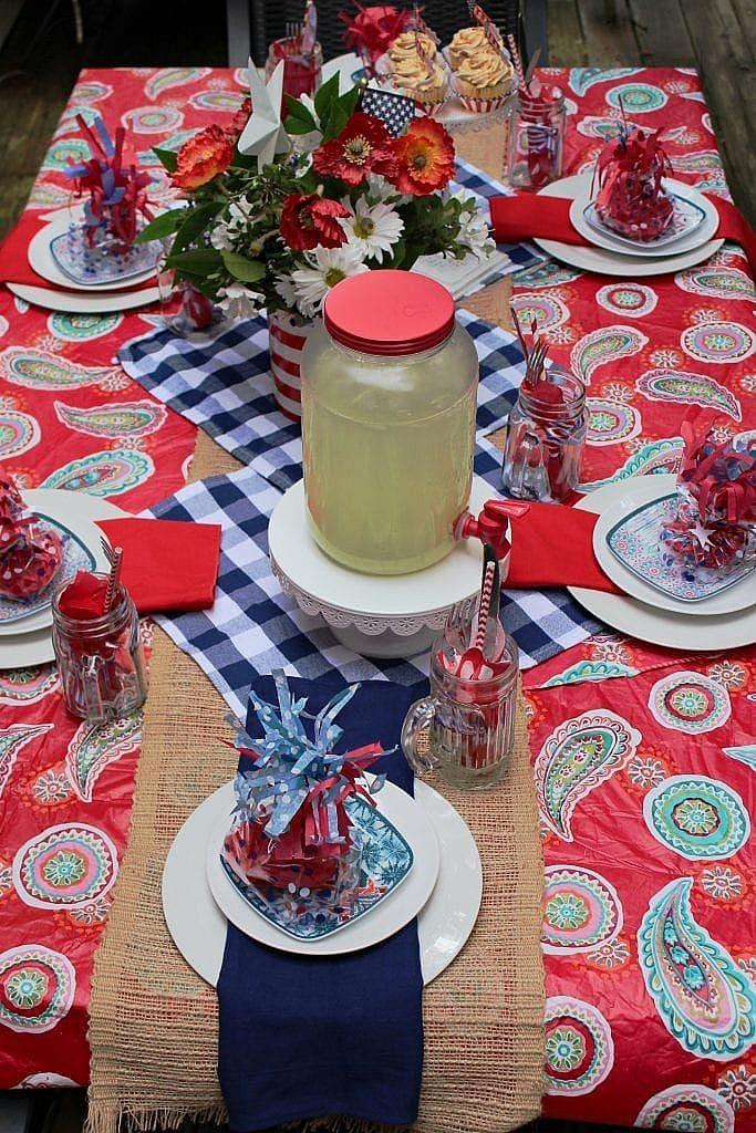 patriotic table setting ideas_table runner