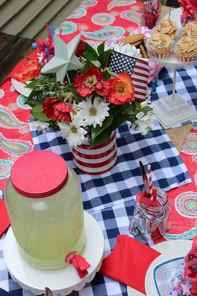 patriotic table setting summer