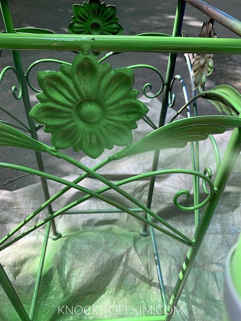 plant stand - PAINT THE BASE
