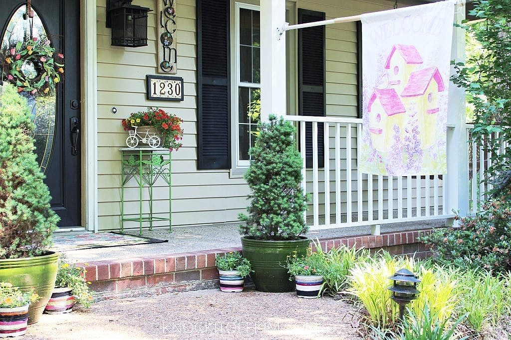 spring outdoor decor